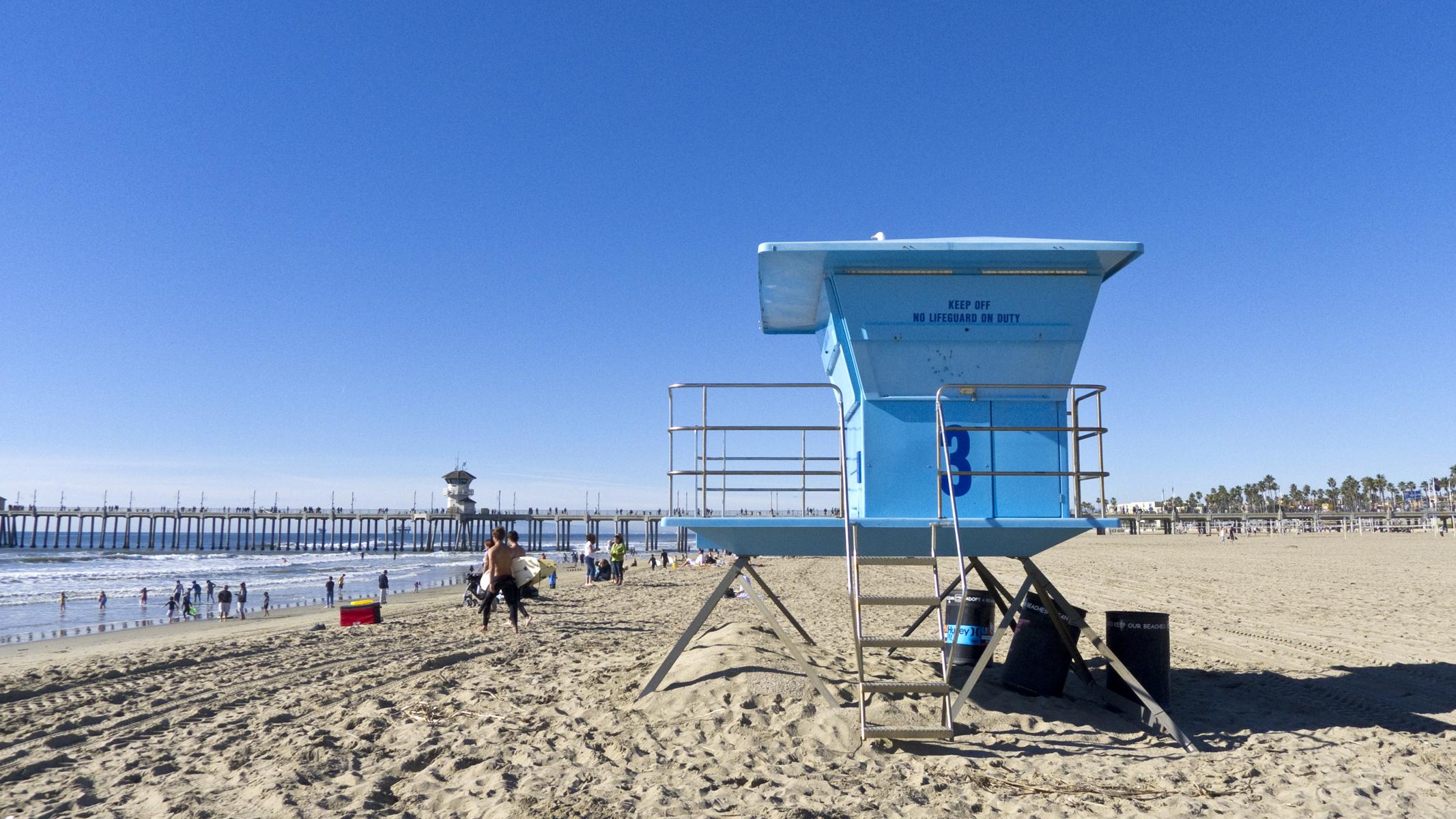 huntington_beach_lifeguradstand.jpg