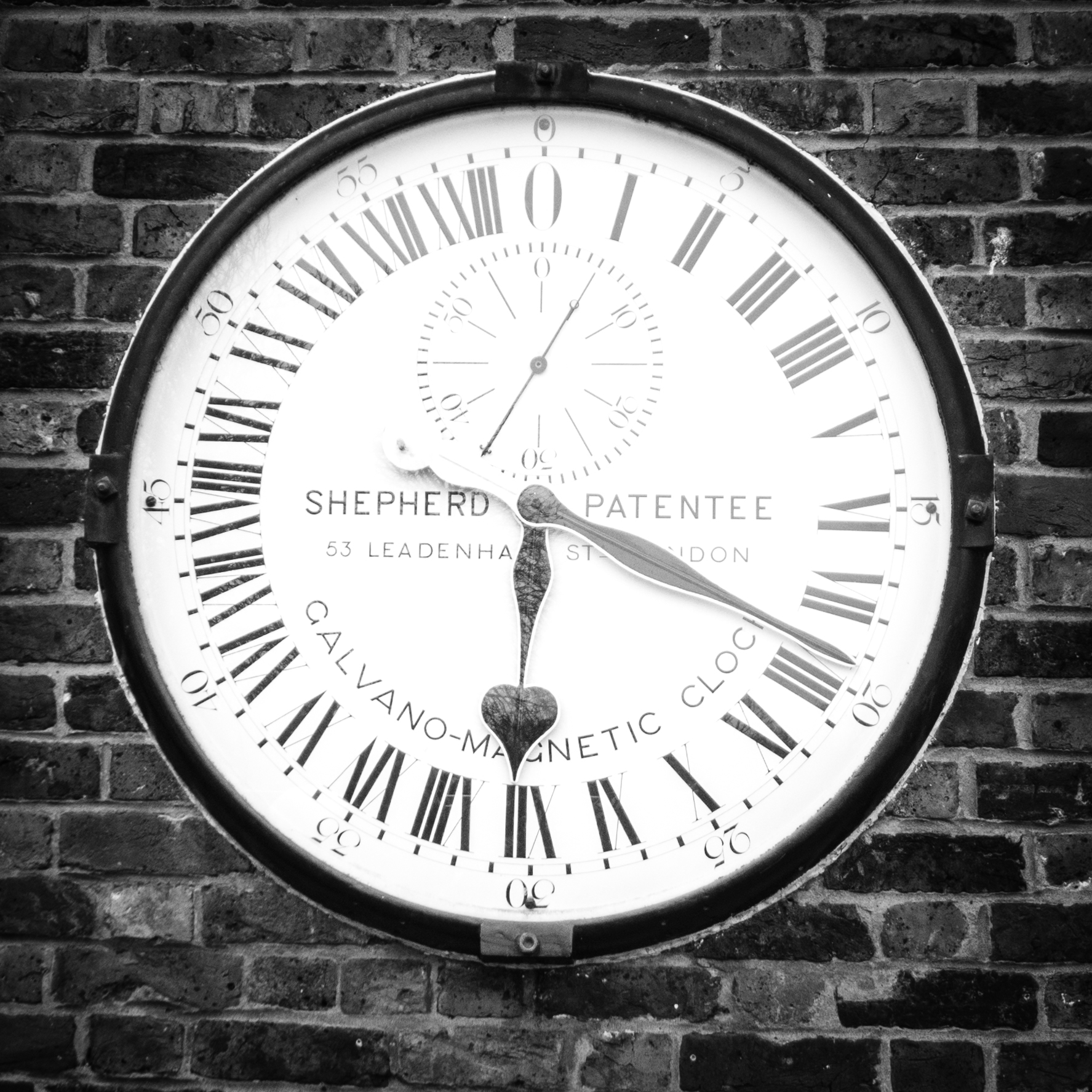 greenwich_meantime_clock.jpg