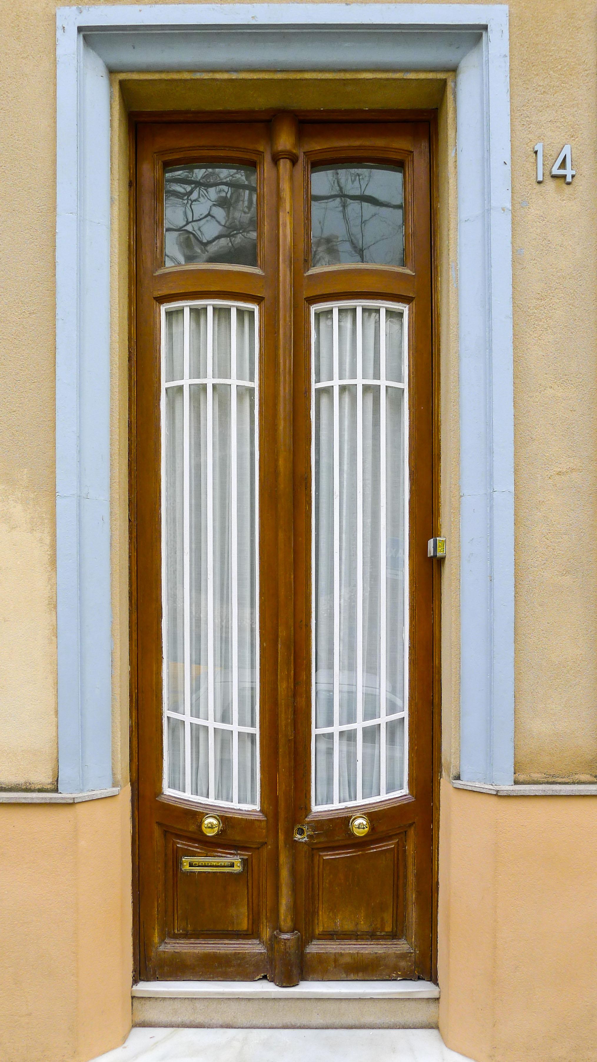 barcelona_door.jpg