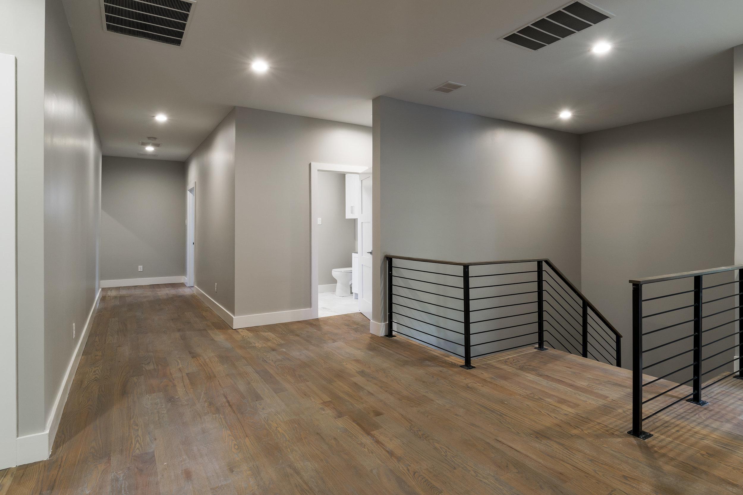 14_Upstairs.jpg