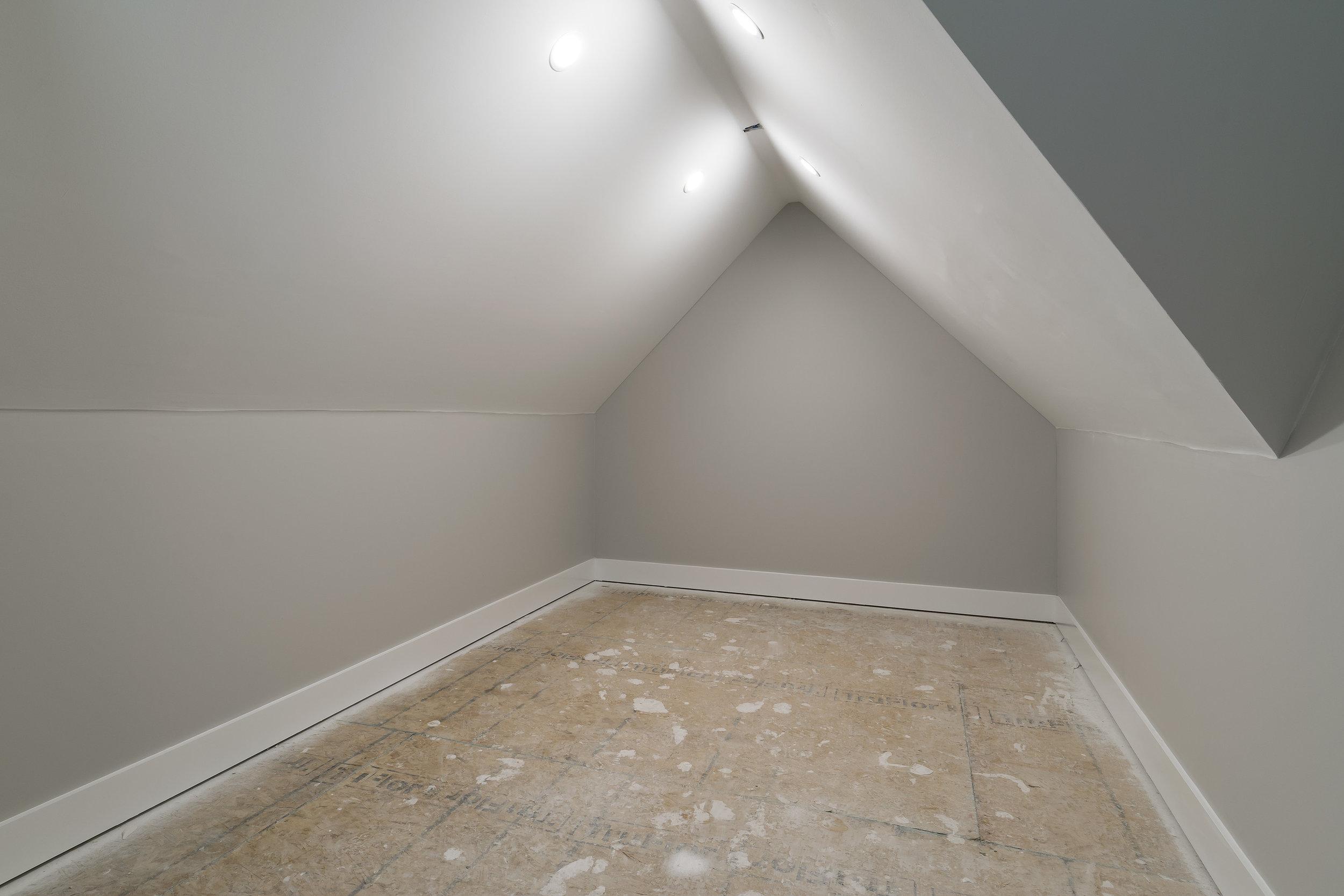23_Upstairs.jpg
