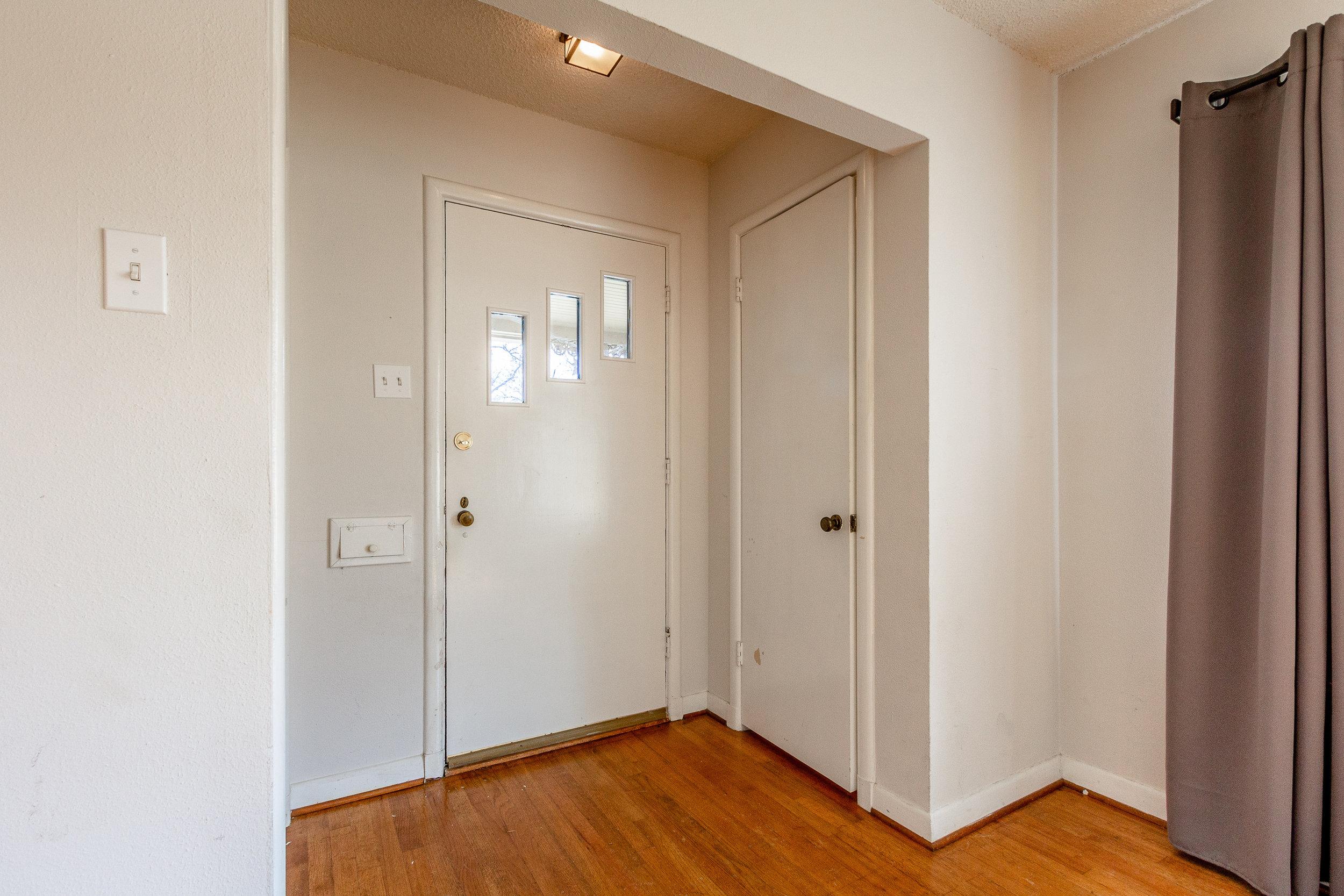 04_Foyer.jpg