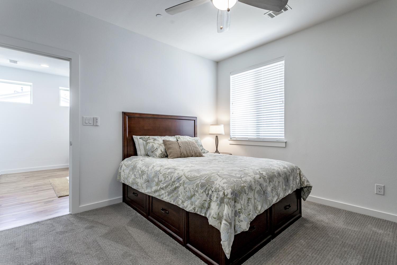 20_Bedroom1.jpg