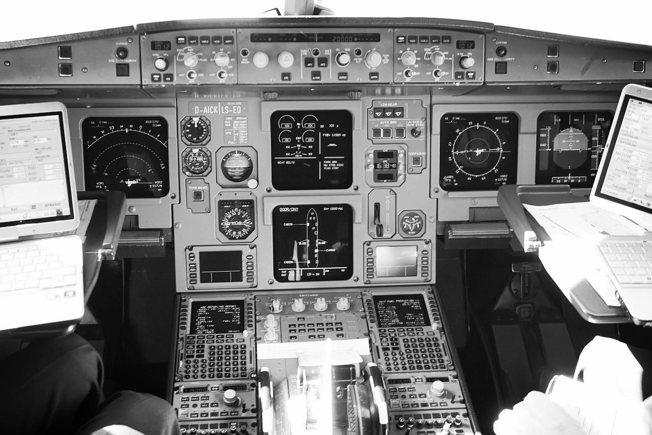 aircraft-461909_1280.jpg