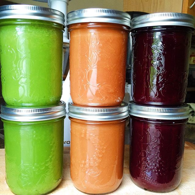 Juiced all the veg separately because I needed keep the pulp separate for future meals and ferments. I'll show you how I use the pulp when I use it. Right now it's all in the freezer.  #freshjuice #freshpressed #juiceeverydamnday #futureferments