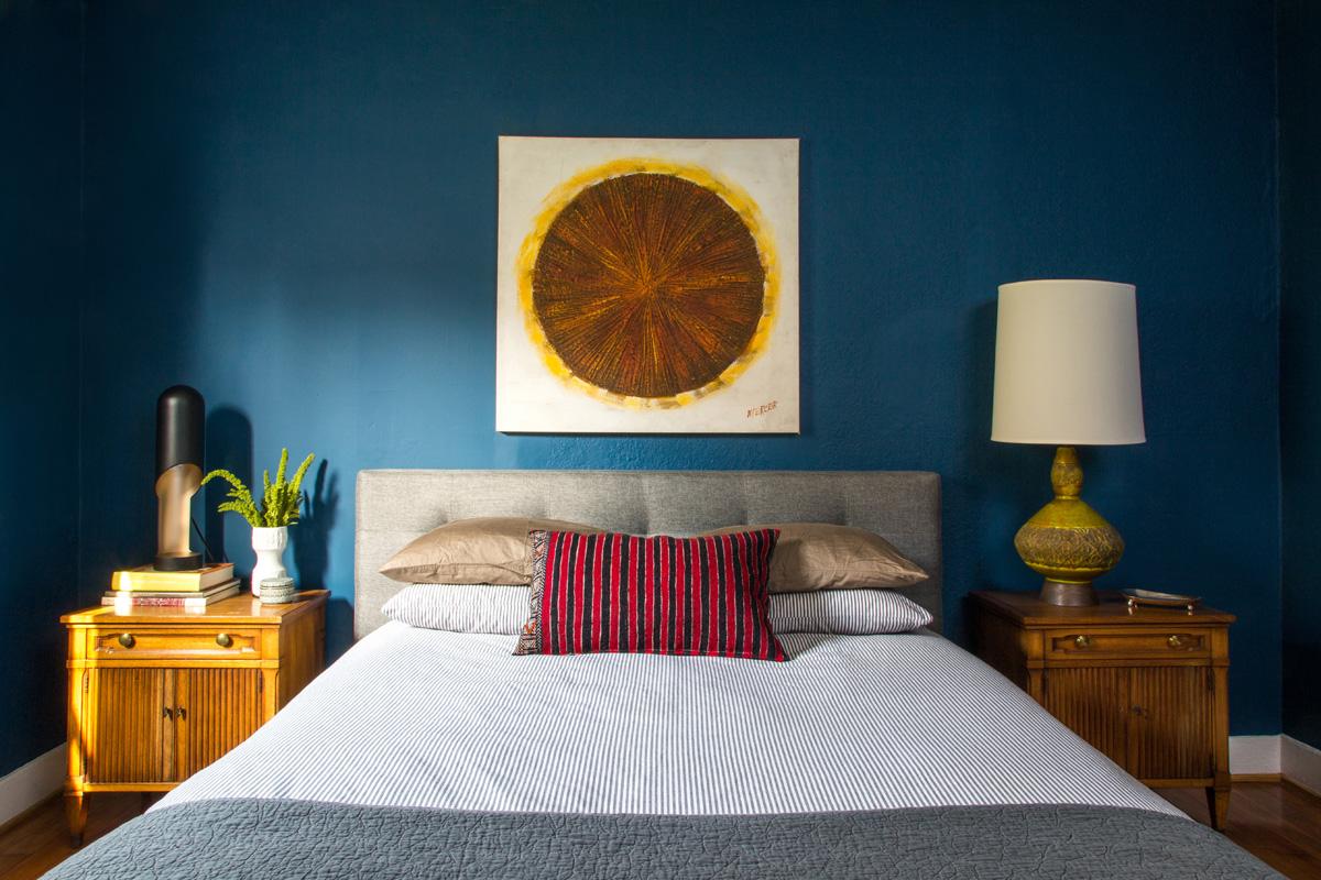7 Eclectic Bedroom Vintage Art Lamp Blue Wall.jpg