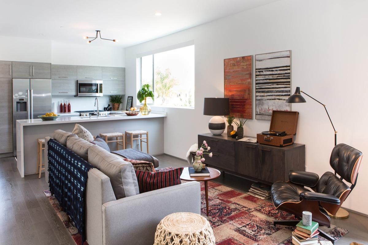 3_kitchen tribal records art living room flor tiles.jpg