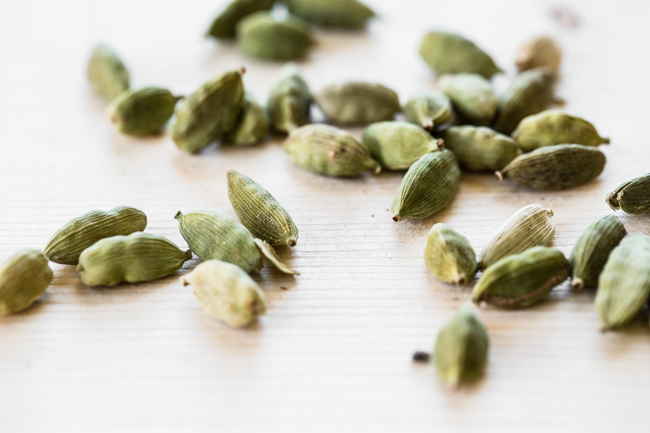 cardamom pods for coconut chai baked oatmeal | edibleperspective.com