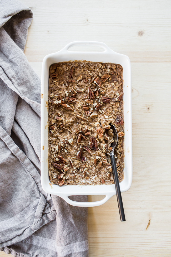 Coconut Chai Baked Oatmeal recipe (gluten-free + vegan!) | edibleperspective.com