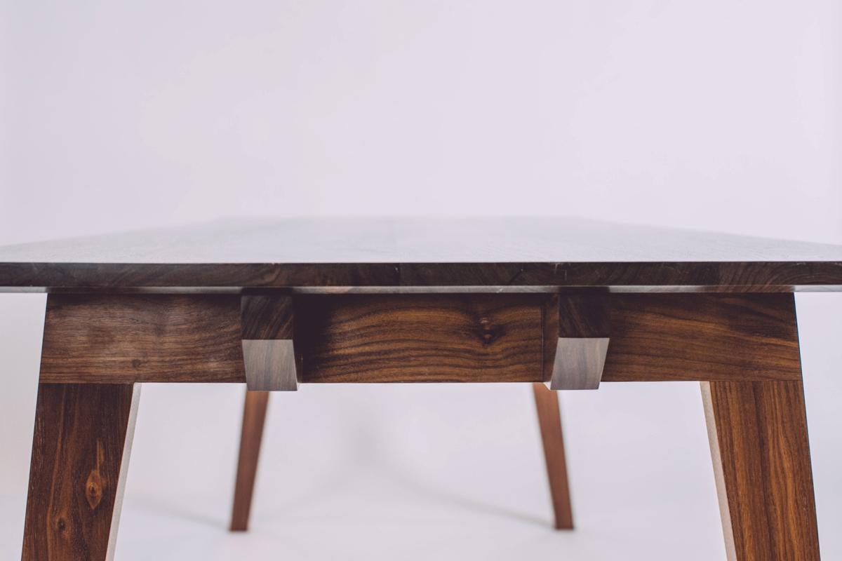 skana table_183754.jpg