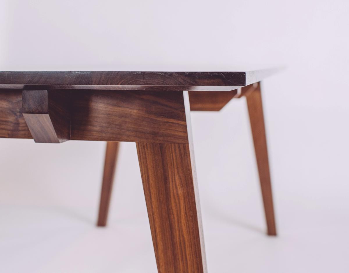 skana table_183837.jpg