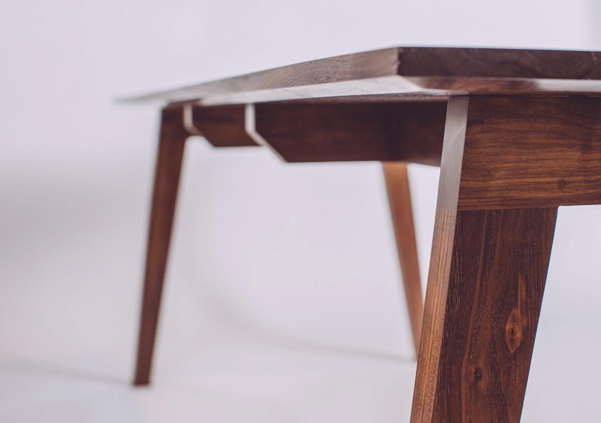 skana table_183929.jpg