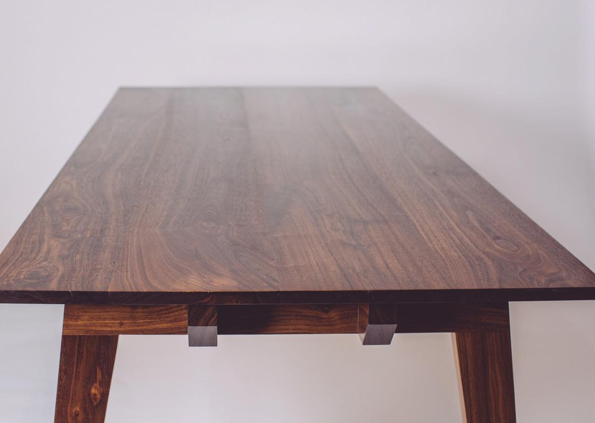 skana table_190508.jpg