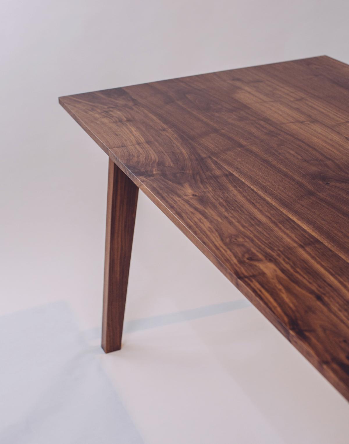 skana table_190619.jpg