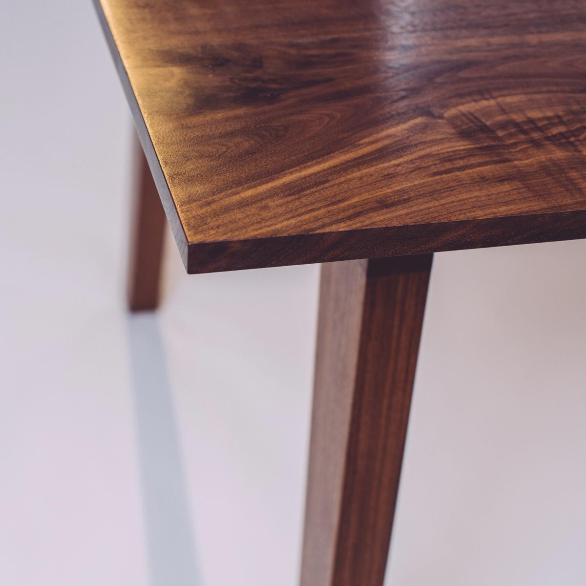 skana table_190709.jpg