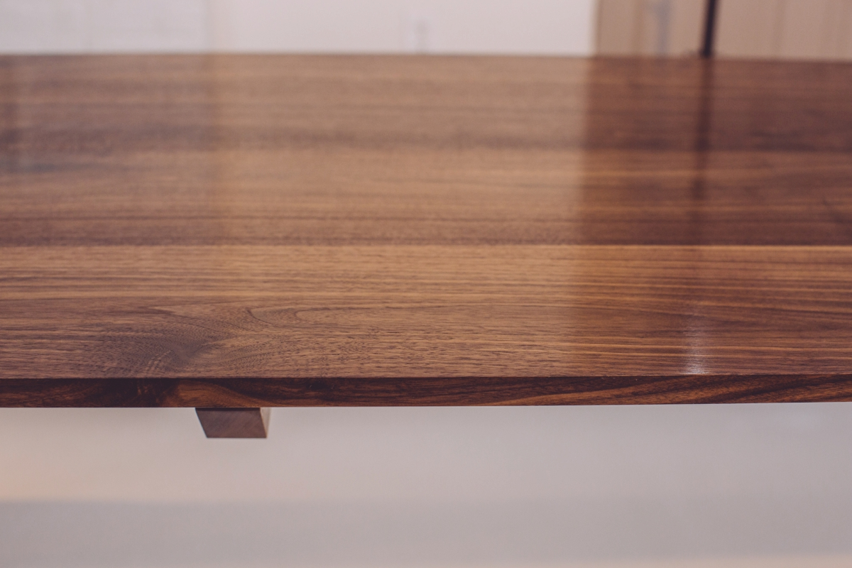 skana table_190910.jpg