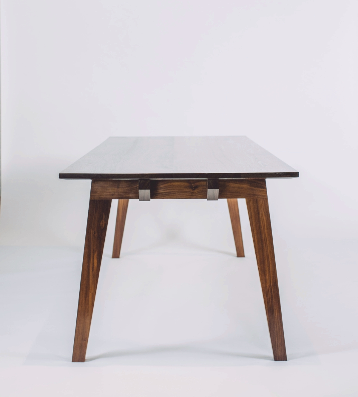 skana table_183650.jpg