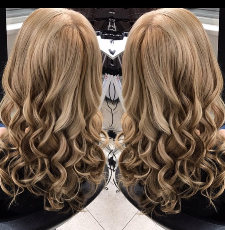 Blowdry with soft bouncy curls by Master Stylist, Valentina at GS blowdry bar 57th Street, Midtown New York City.PNG
