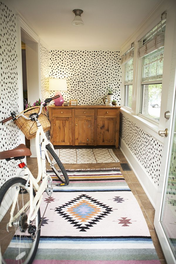 LOVE this rug... and that bike.