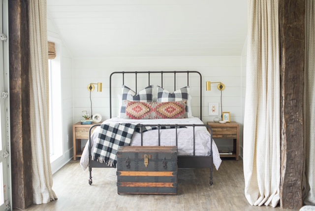 Tips On Styling A Bed | Sarah Catherine Design