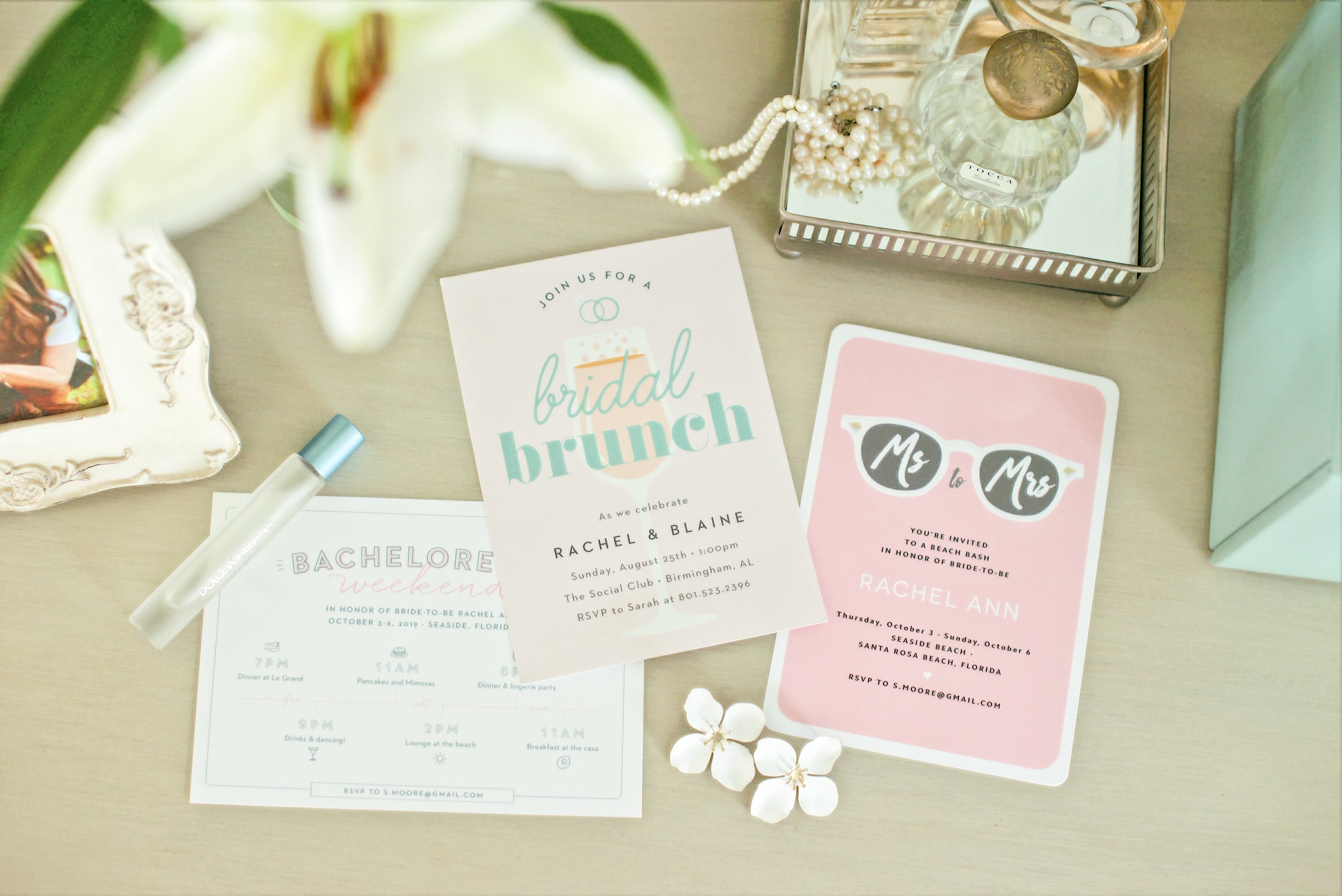 They have the cutest bachelorette invitations! ( here )
