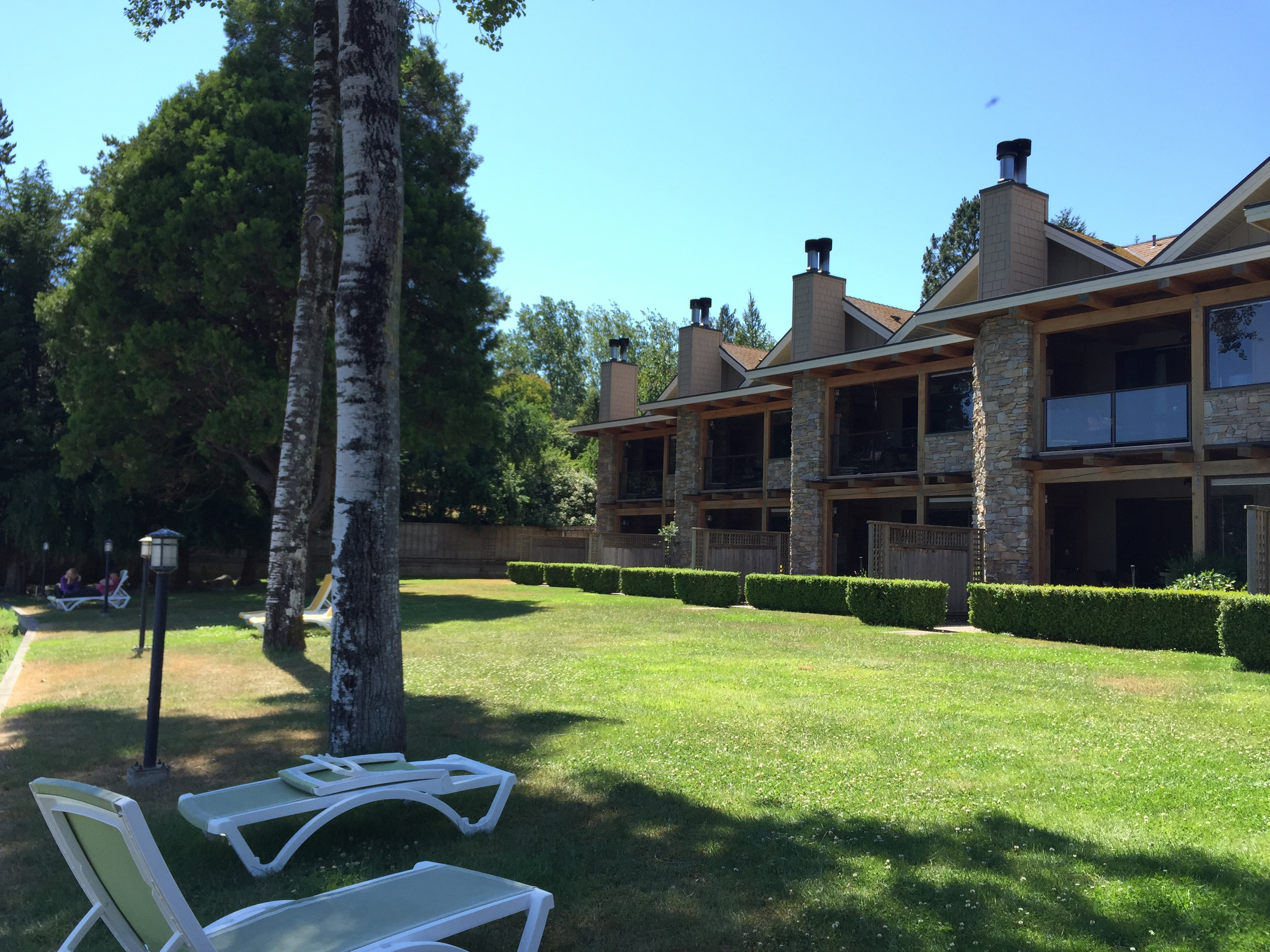 The oceanfront villas at the Galiano Inn and Spa.  Photo: The Vancouverite