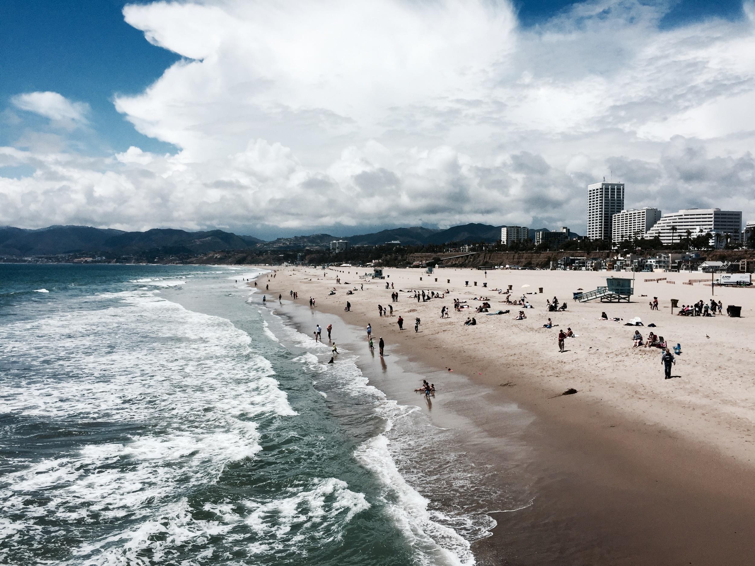 The beach in Santa Monica, along Ocean Avenue...  le sigh.