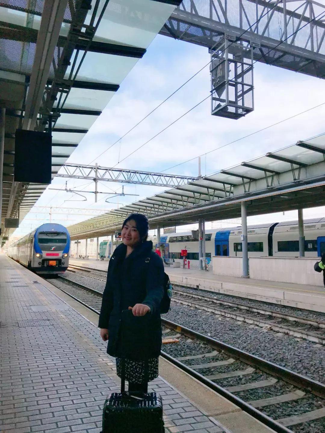 佳鑫在罗马火车站