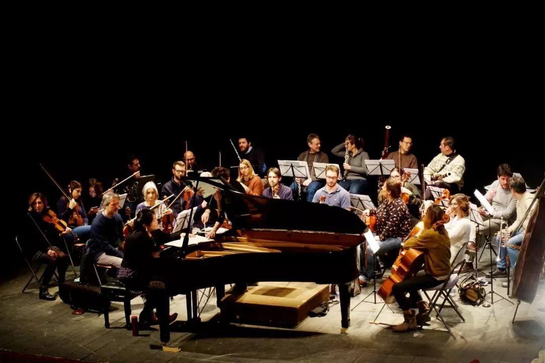 放几张排练花絮,  让我们一起来期待这场跨越大洋的中意音乐家们带来的音乐盛宴 ▽