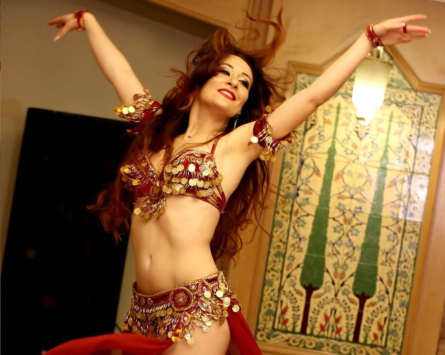 Tevec Ibrahim, Professional Belly Dancer and Belly Dance Teacher - My time with Nicolette identified my personal 'blockers' within my creative career.Working with such a genuine person who is easy to talk to, doesn't judge and listens well assisted me in realising my full potential.She held me especially during uncertain times so that I could do this in manageable and realistic ways.