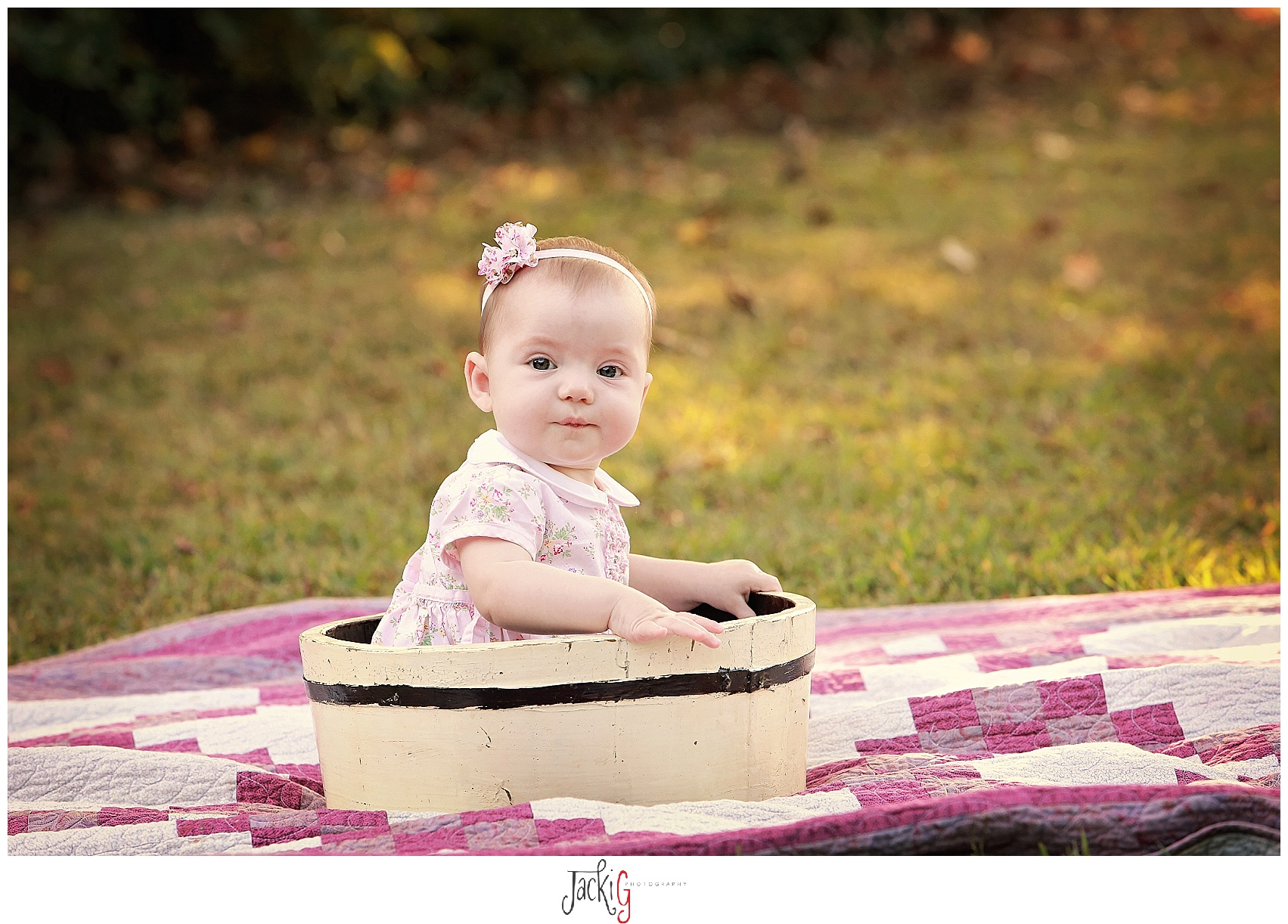 I used this same bucket at Maddie's newborn session. :)