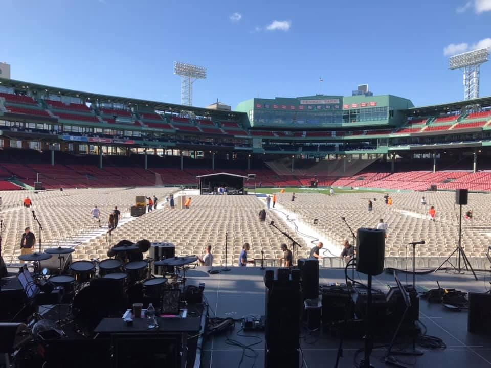 The Who Empty Crowd.jpg