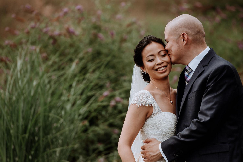 Red Maple Vineyard Wedding romantic Photos