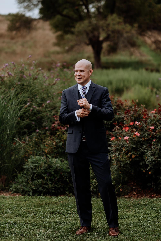 Red Maple Vineyard Wedding Photos, groom portrait