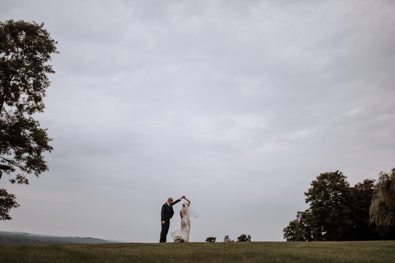 wedding portraits at red maple vineyard