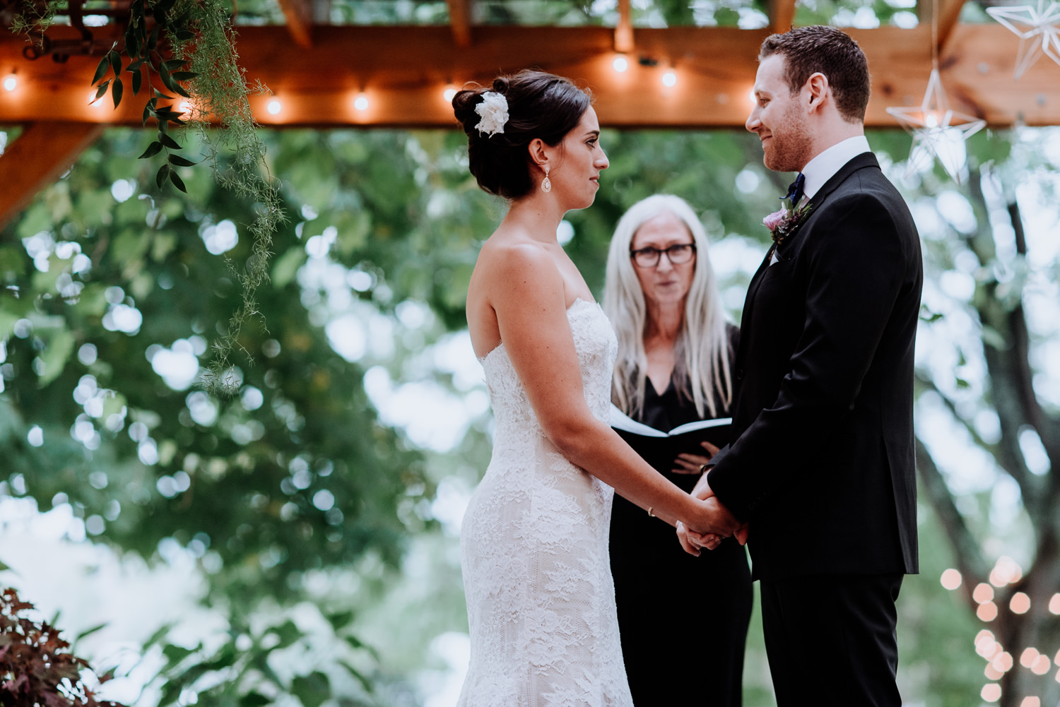 Red Maple Vineyard wedding rain ceremony