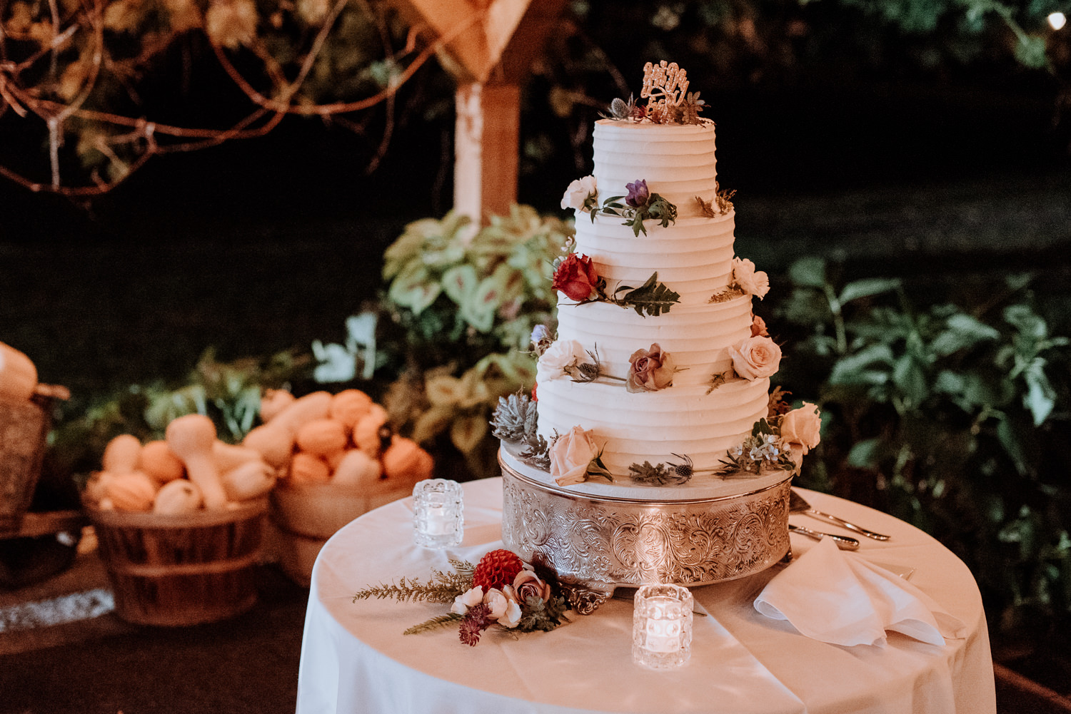 Red Maple Vineyard Wedding cake