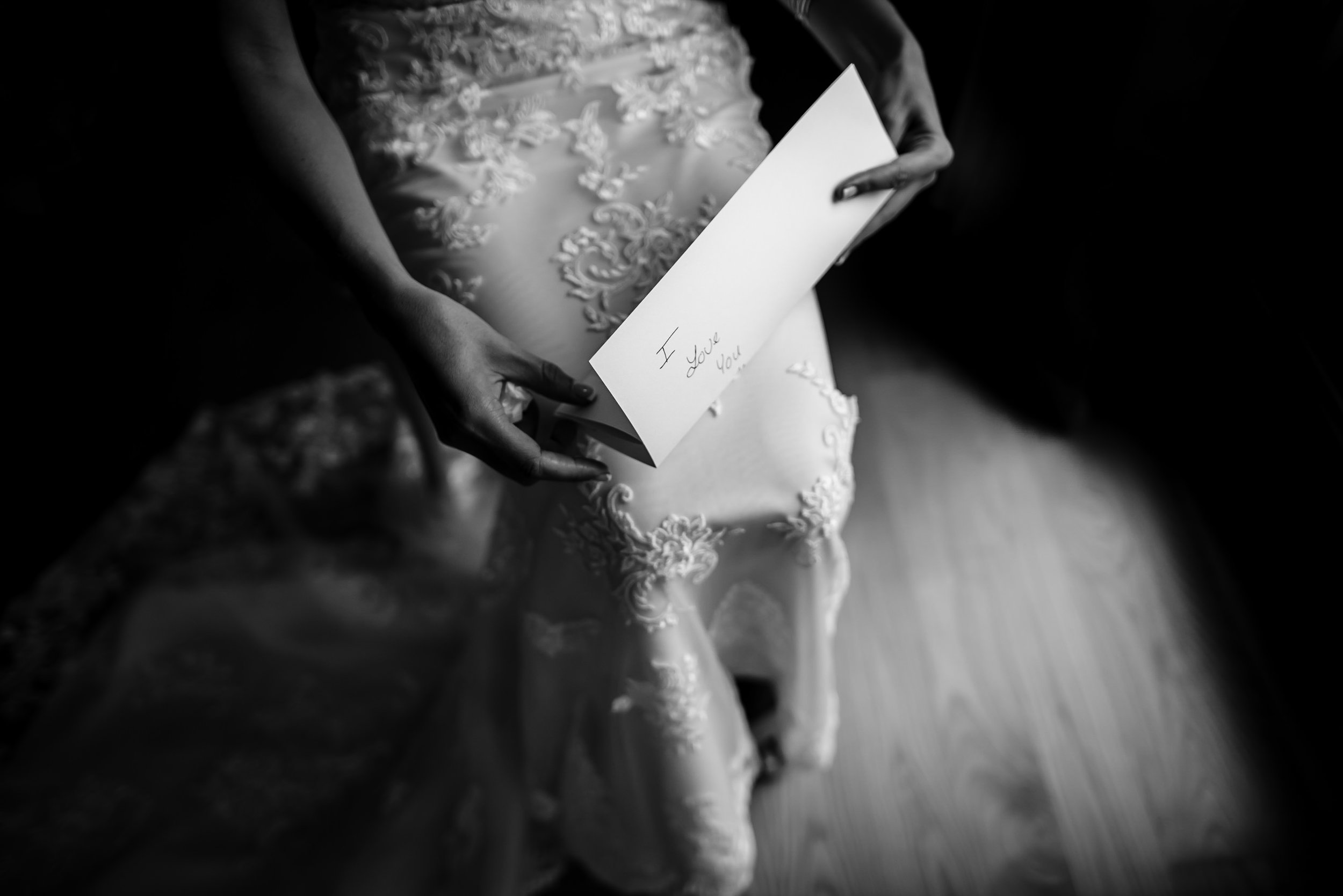New-York-Wedding-Photographer-arius-organic-romantic-non-cheesy-51.jpg