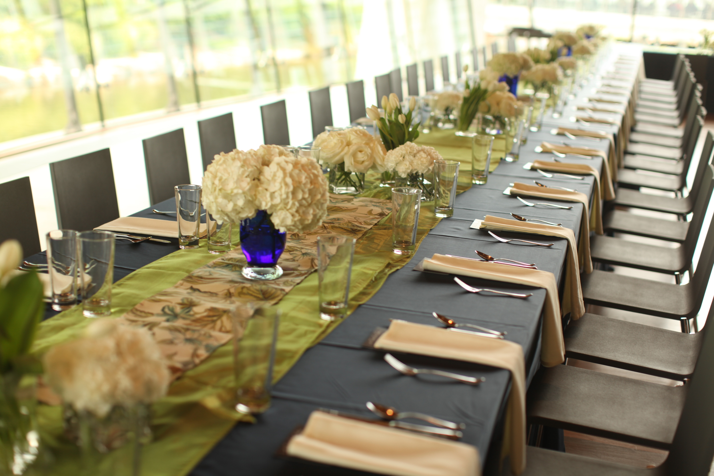 Cool Summer, Crystal Bridges Museum, Benfield Photography, Inspired Grace Weddings, Table Decor
