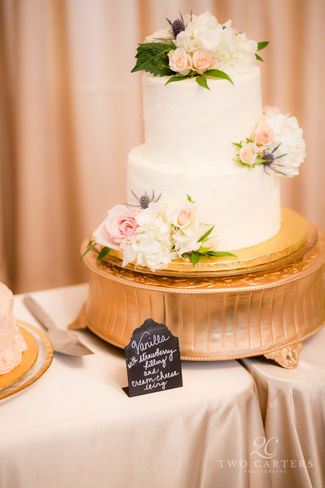 07. Organic blush garden rose cake. Inn at Carnall Hall. Two Carters Photography. Rose of Sharon Floral Designs..jpg