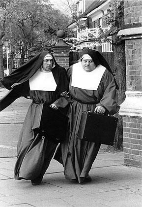 nuns_on_the_run_07.jpg