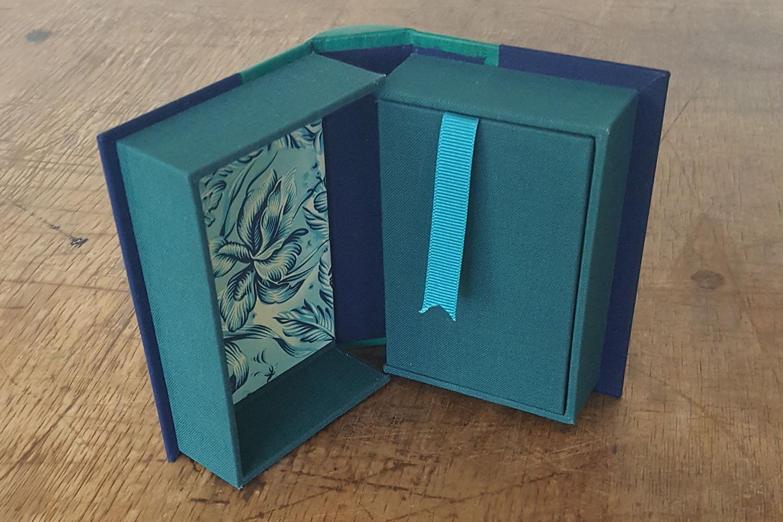 BF_Books & Boxes_Image_Barcelona_and_Birthday_8_1500x1000.jpg
