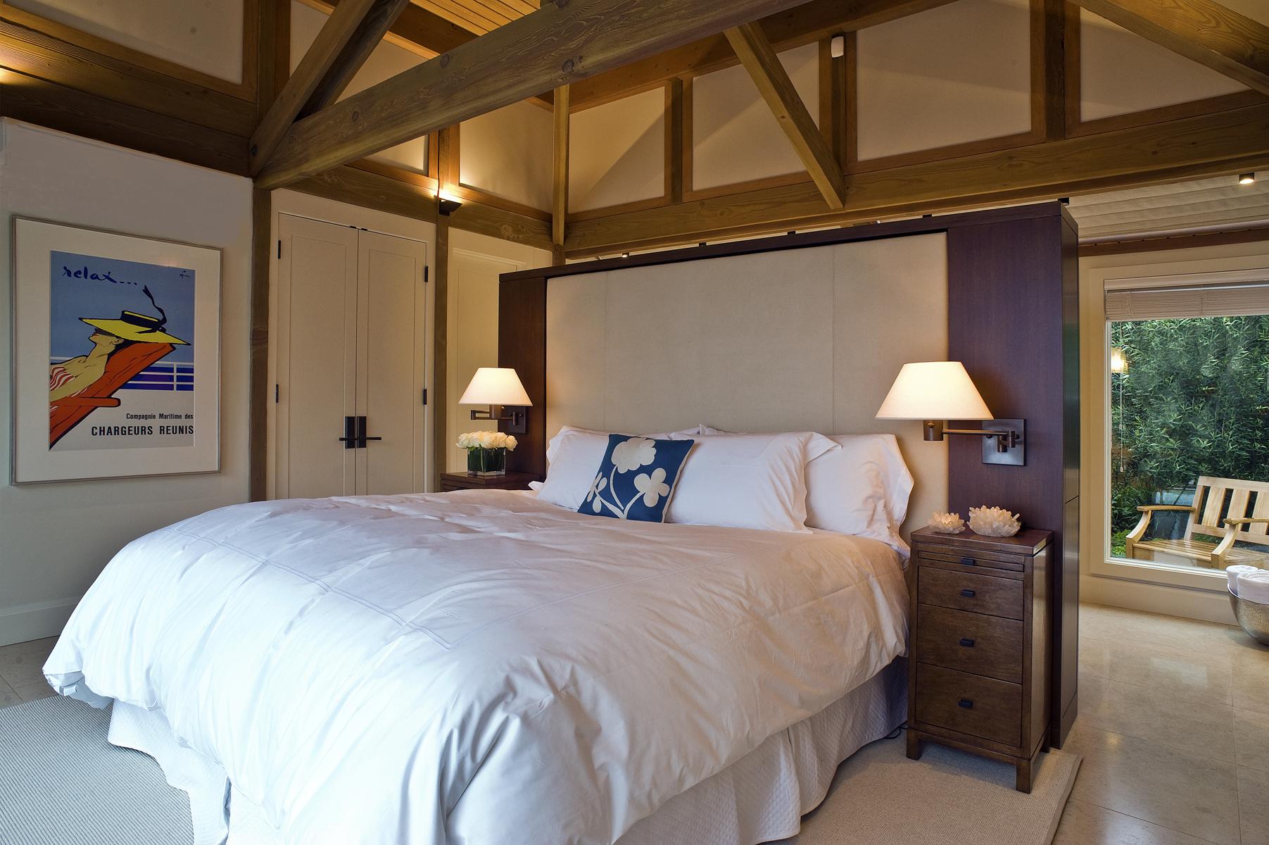 Bedroom DSC_9943-2.jpg
