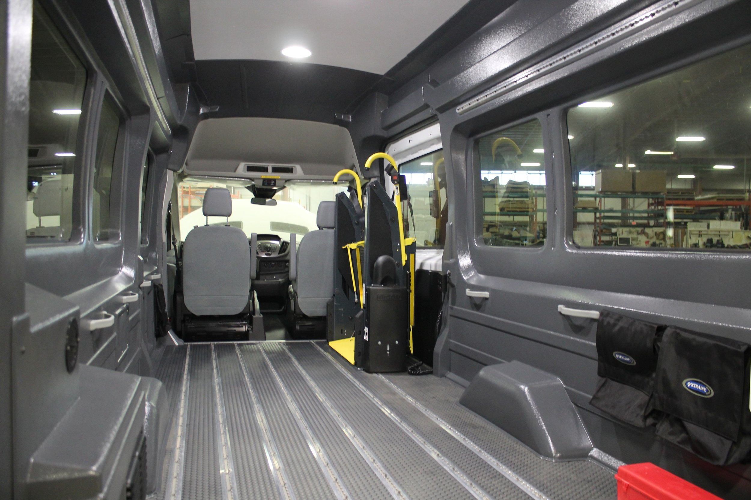 Ford Transit: Side Entry