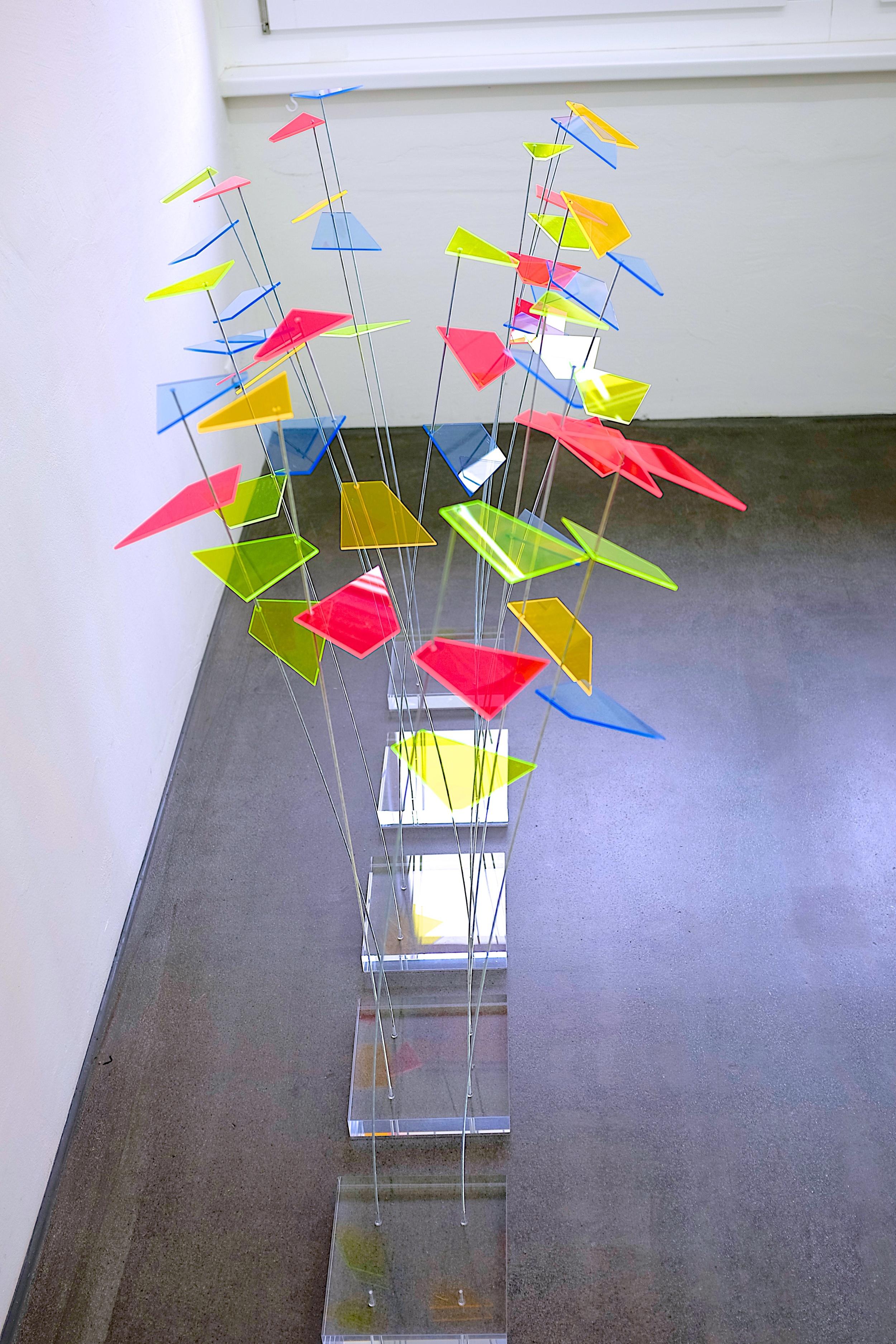 """boden-installation """"recycling II"""" 2013 - acrylglas / stahldraht (variabel)"""