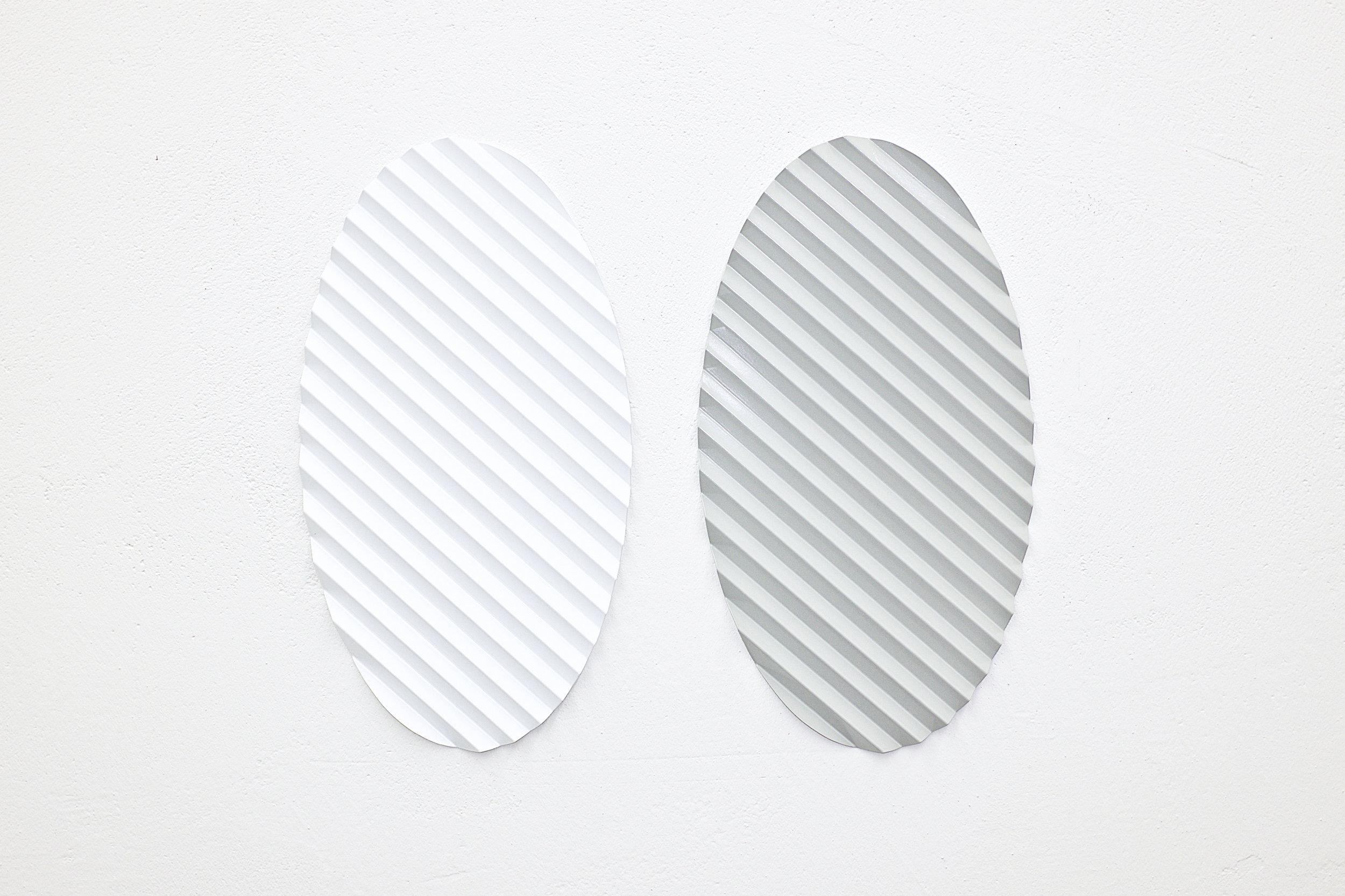 multiple nr. 01.1-10/2019 (ovales relief) - kunstharz auf alu - 42 x 22.8 x 1.3 cm