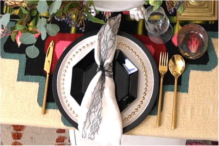 Before we get to the drama that square of lace is bringing as a stand in napkin ring, can we take a moment to notice that the place settings are a mix of 3 different plates from 3 different eras?