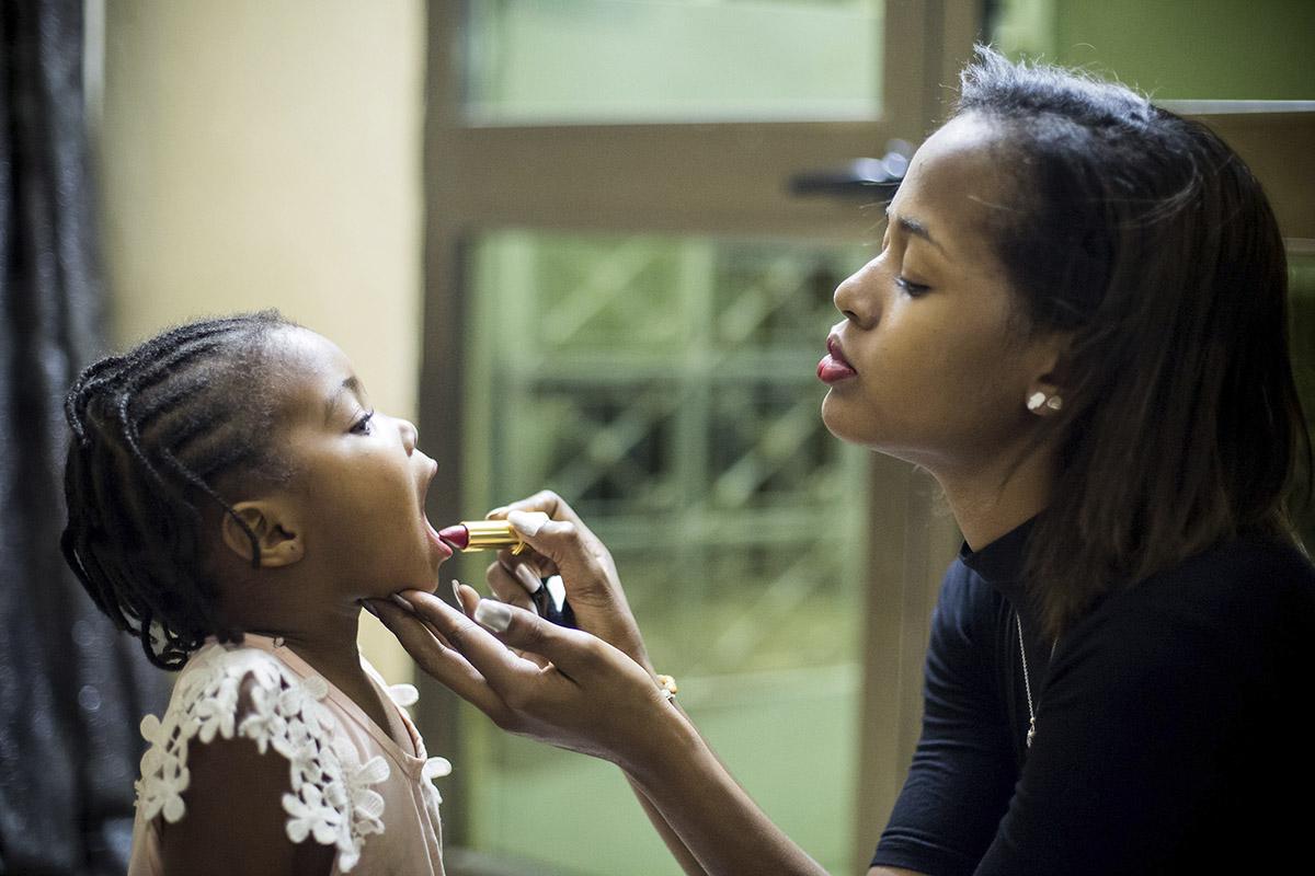 2 YOUNG AFRICAN MODELS_NIGER_FASHION_HECTOR MEDIAVILLA_12.jpg