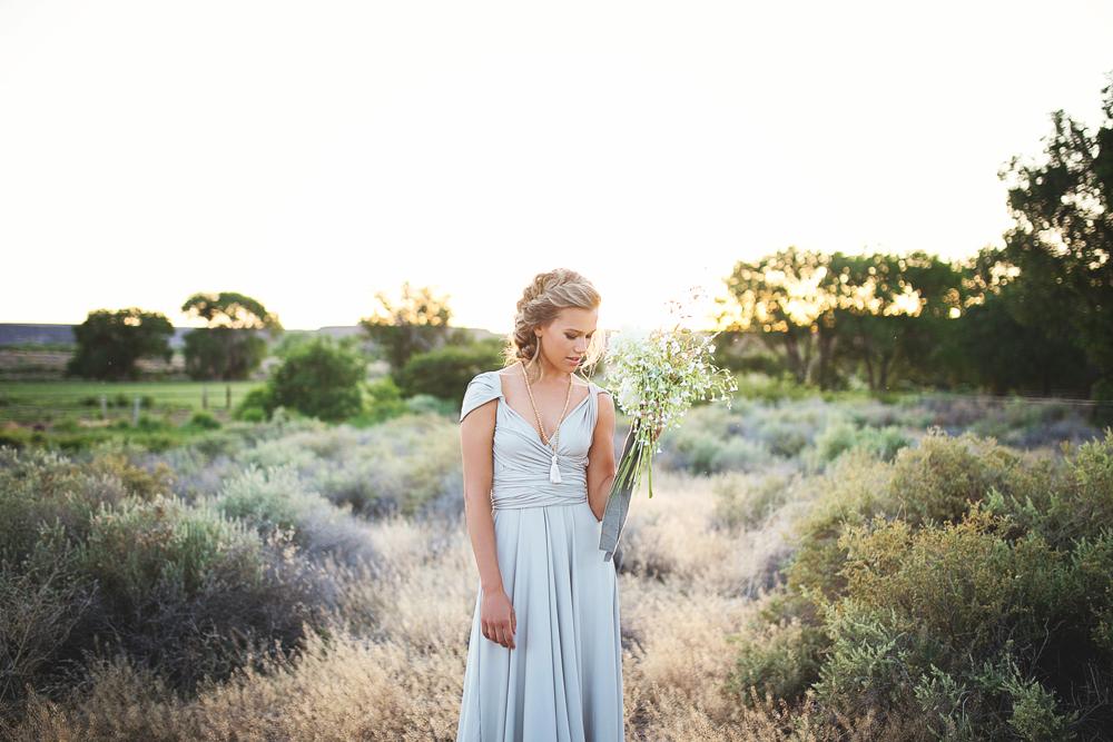 Liz-Anne-Photography-Wabi-Sabi-Wedding-Inspiration_01.jpg