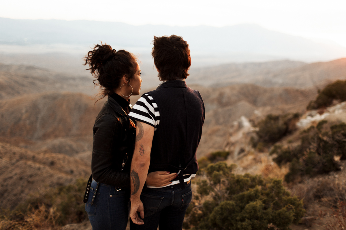 joshua-tree-california-engagement-wedding-elopement-session-desert-photographer-elizabeth-wells-photography